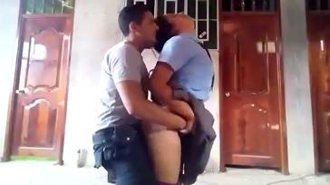 Policia Cogiendo a Colegiala Uniformada